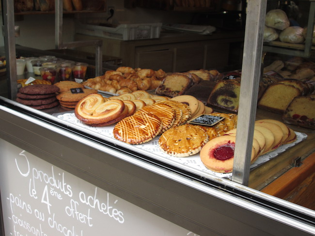 The beautiful pastries in shop windows were hard to resist!