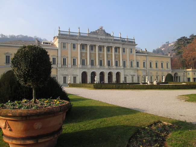 Ostello Villa Olmo in Como
