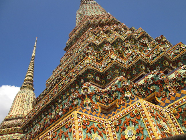 Detail of a monument at Wat Pho