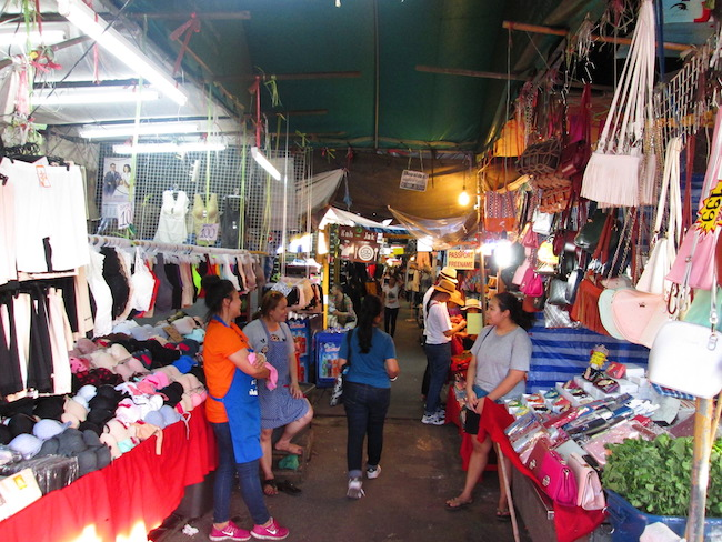 Exploring the Bangkok Weekend Market